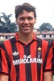 Gullit, Van Basten y Rijkaard. Los holandeses del Milan de Sacchi.