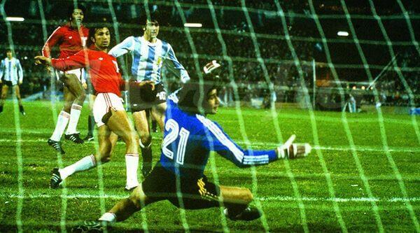Argentina 6 Perú 0